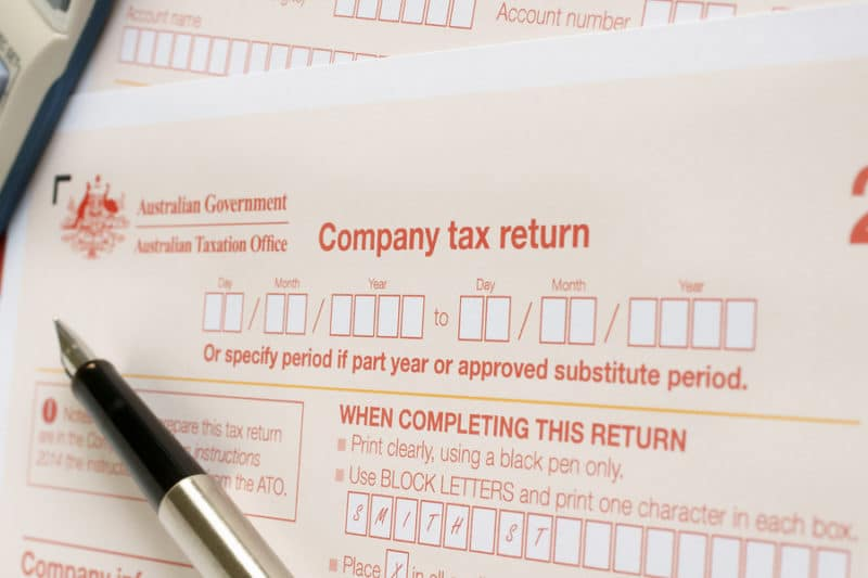 Completing an Australian annual company tax return form